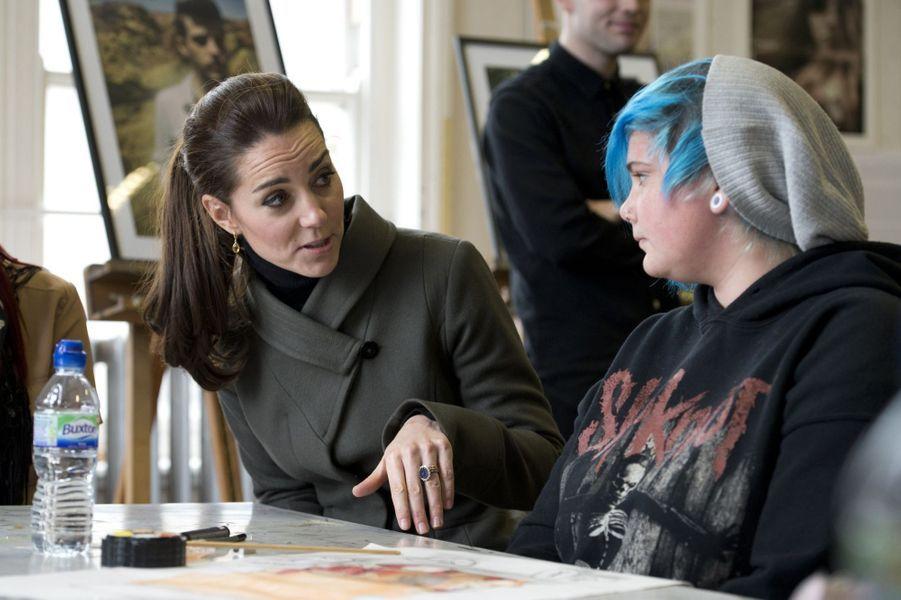 La duchesse de Cambridge, née Kate Middleton, à l'association Mind, le 20 novembre 2015