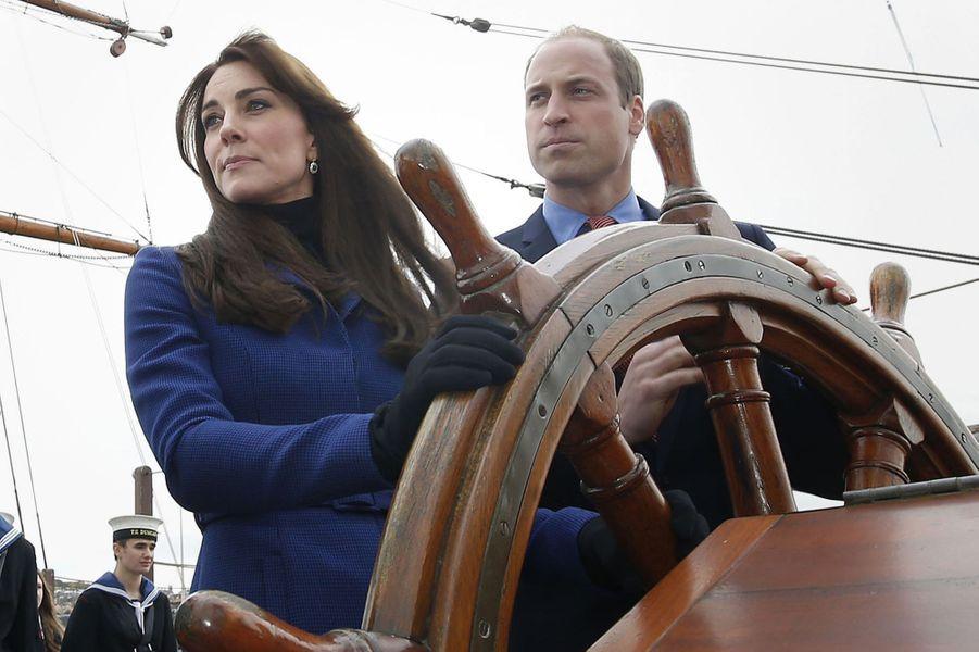 La duchesse de Cambridge, née Kate Middleton, sur le navire Discovery, le 23 octobre 2015