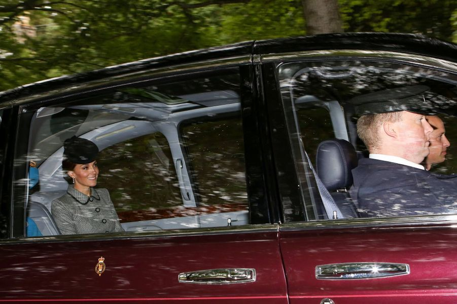 Le prince William et Kate Middleton dans la Bentley de la reine Elizabeth II à Crathie en Ecosse, le 26 août 2018