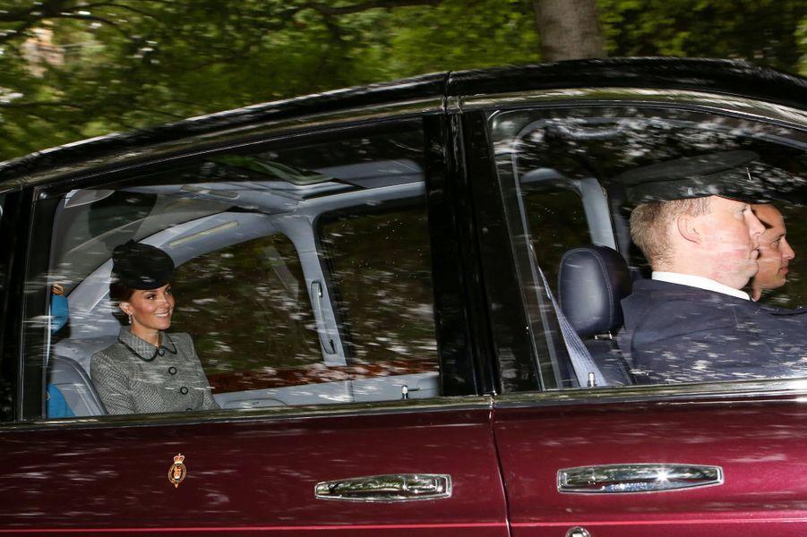 Le prince William et Kate Middleton dans la Bentley de la reine Elizabeth II à Crathie en Ecosse, le 26 août 2018