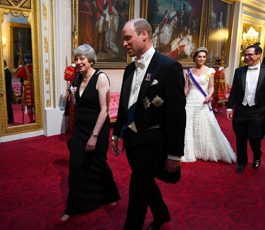 Kate Middleton, Steve Mnuchin, le prince William et Theresa May au palais de Buckingham, le 3 juin 2019