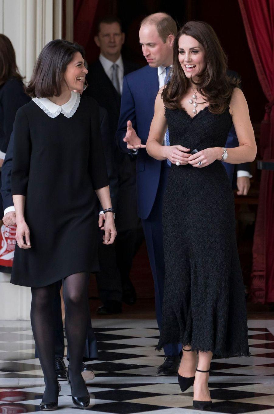 La duchesse de Cambridge, née Kate Middleton, en Alexander McQueen à Paris le 17 mars 2017
