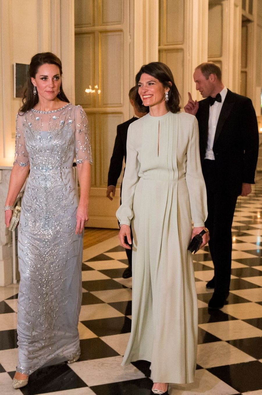La duchesse de Cambridge, née Kate Middleton, en Jenny Packham à Paris le 17 mars 2017
