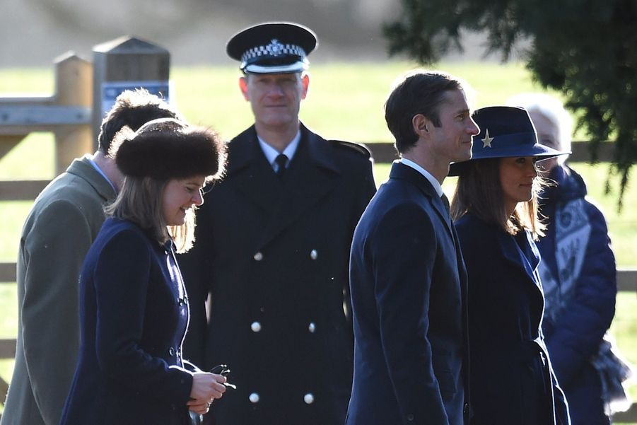 Kate Middleton, Une Messe À Sandringham Avec La Reine, Philip, William Et Pippa 14