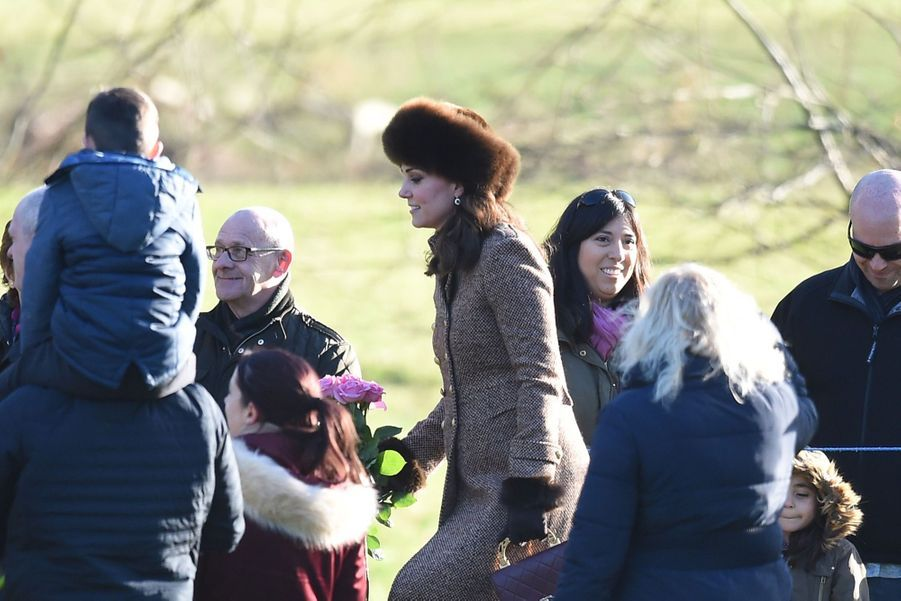 Kate Middleton, Une Messe À Sandringham Avec La Reine, Philip, William Et Pippa 15