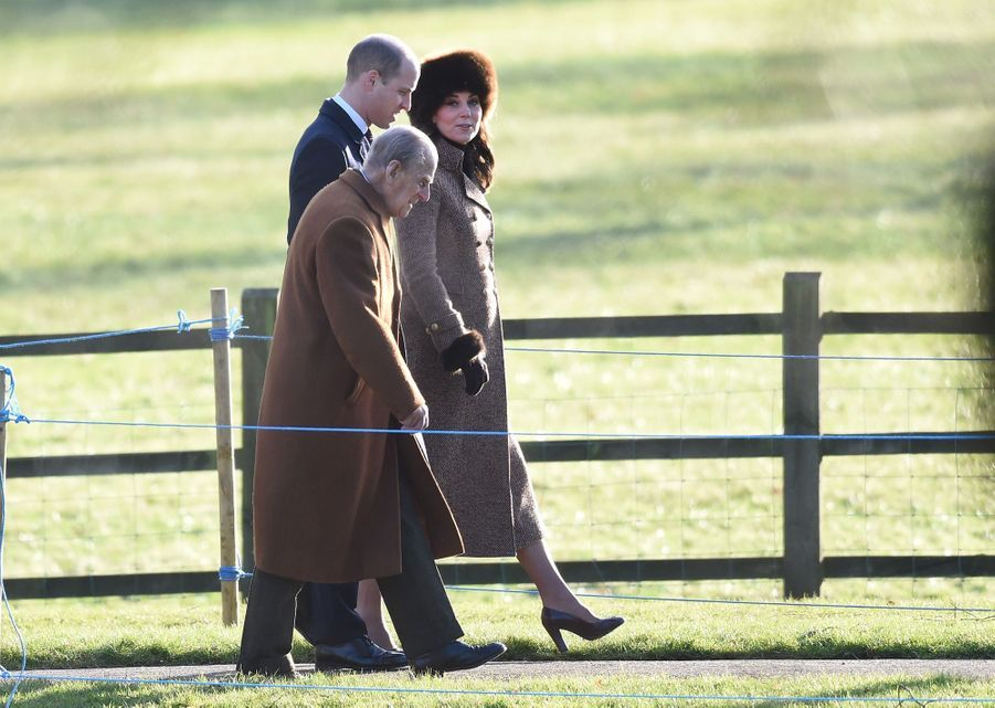 Kate Middleton, Une Messe À Sandringham Avec La Reine, Philip, William Et Pippa 8