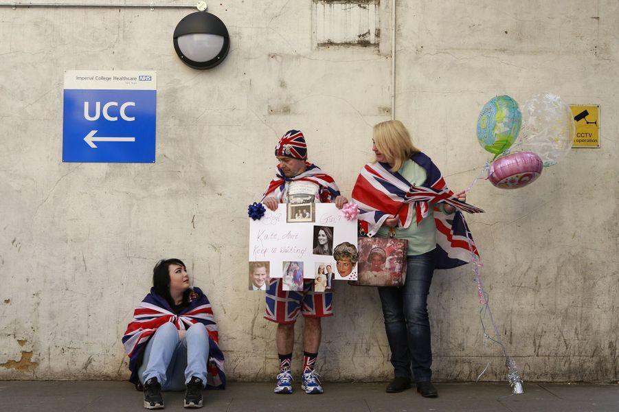 A la maternité, on attend Kate et le second royal bébé
