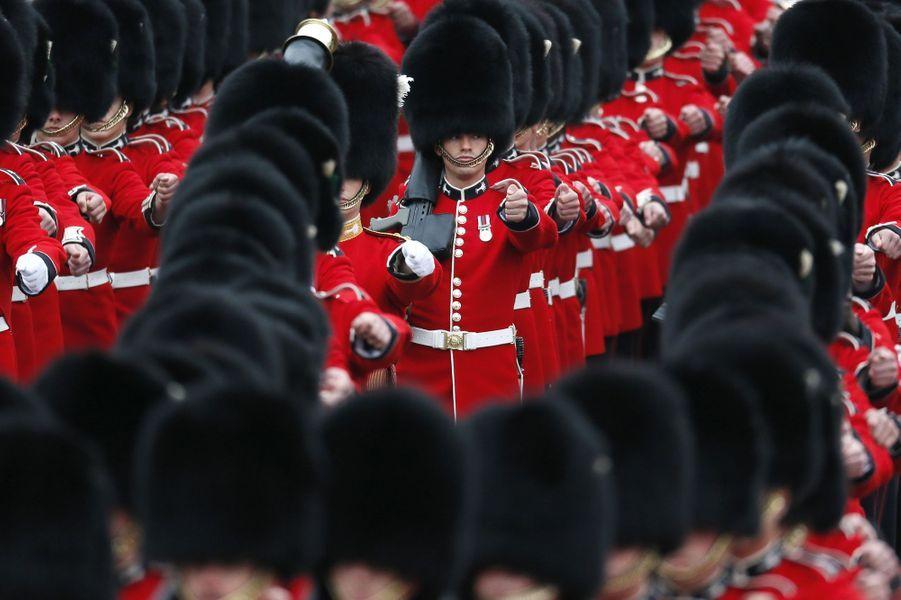 La cérémonie Trooping the Colour à Londres, à l'occasion de l'anniversaire de la reine Elizabeth