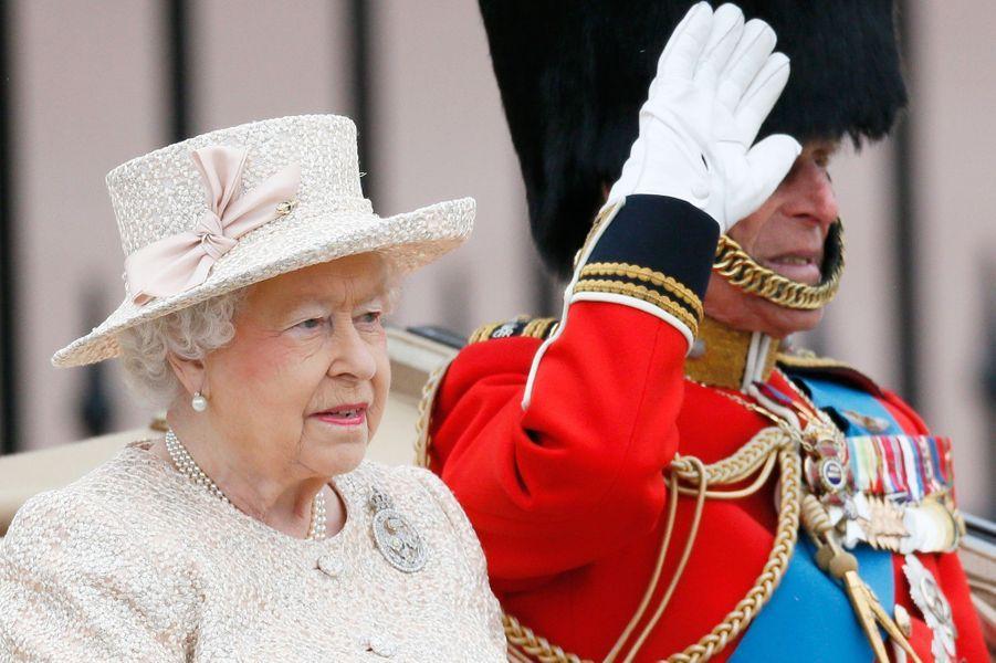 La reine Elizabeth et le prince Philip à la cérémonie Trooping the Colour à Londres, à l'occasion de l'anniversaire de la reine Elizabeth