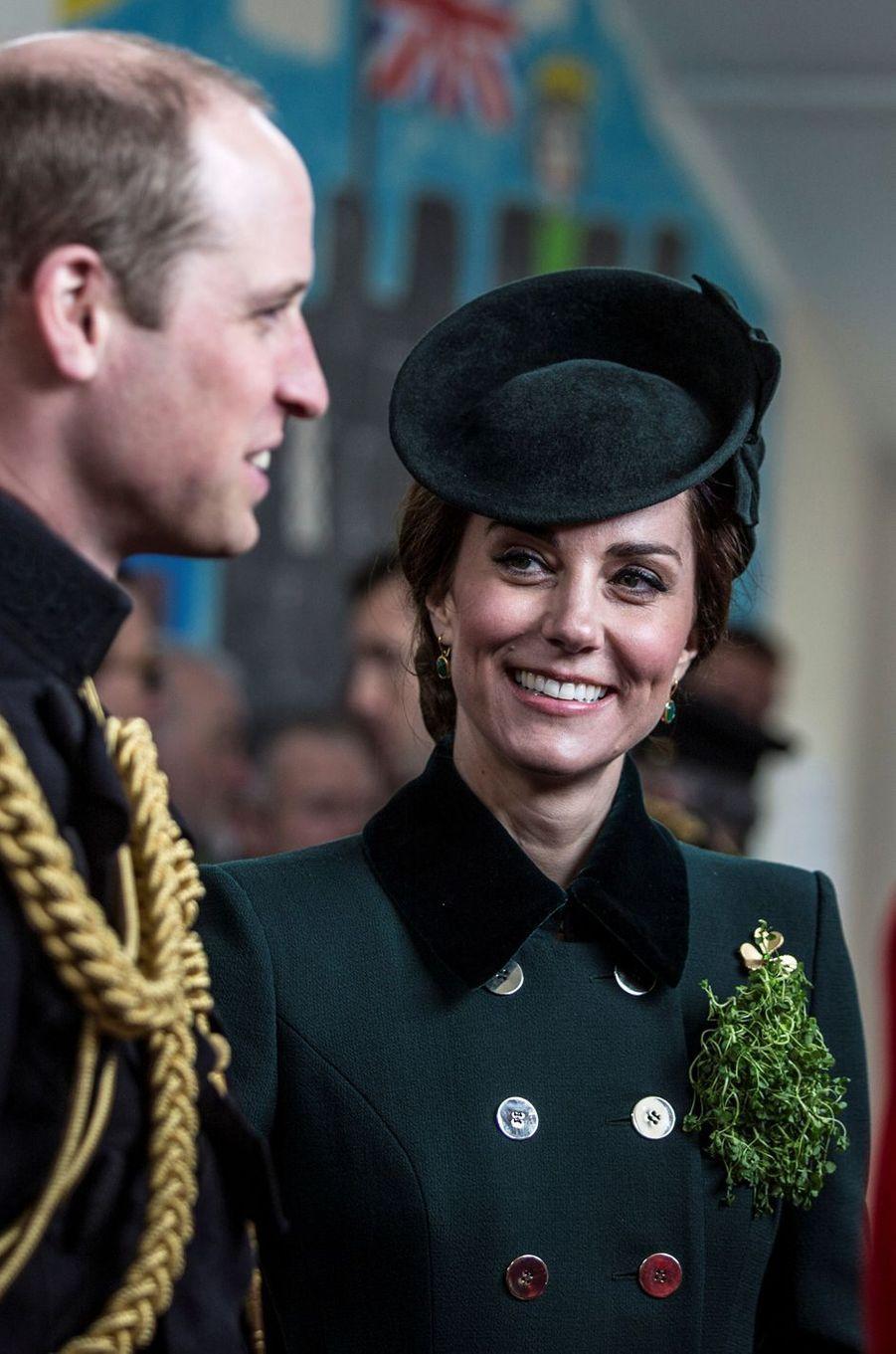 Le bibi de la duchesse de Cambridge pour la St Patrick à Aldershot, le 17 mars 2017