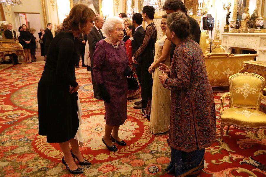 La reine Elizabeth II et la princesse Eugenie d'York au Palais de Buckingham à Londres, le 27 février 2017