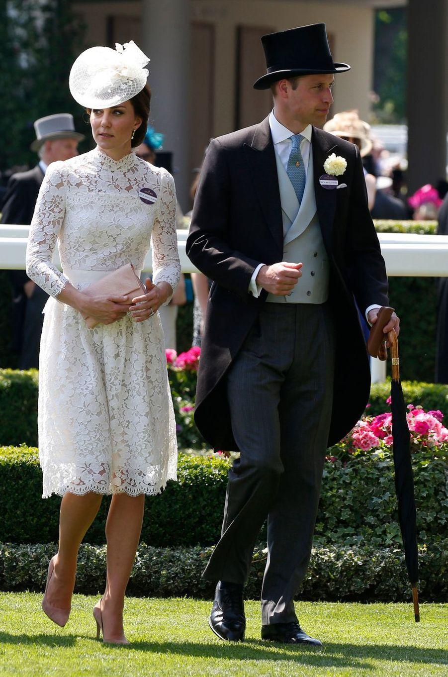 La duchesse de Cambridge, née Kate Middleton, en Alexander McQueen au Royal Ascot le 20 juin 2017