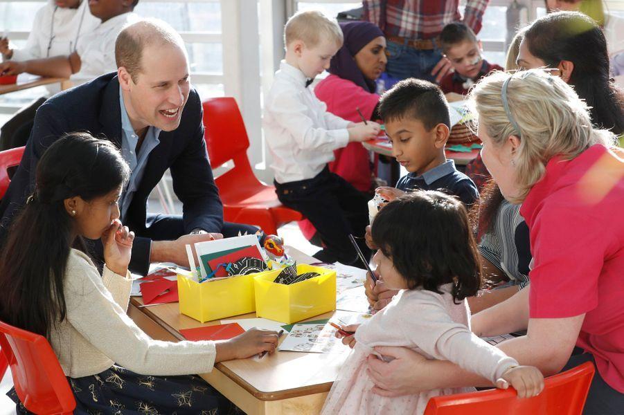 Le prince William et Kate se sont rendus ce mardi à l'hôpital pour enfants Evelina London. La duchesse de Cambridge est officiellement devenue la marraine de l'établissement.