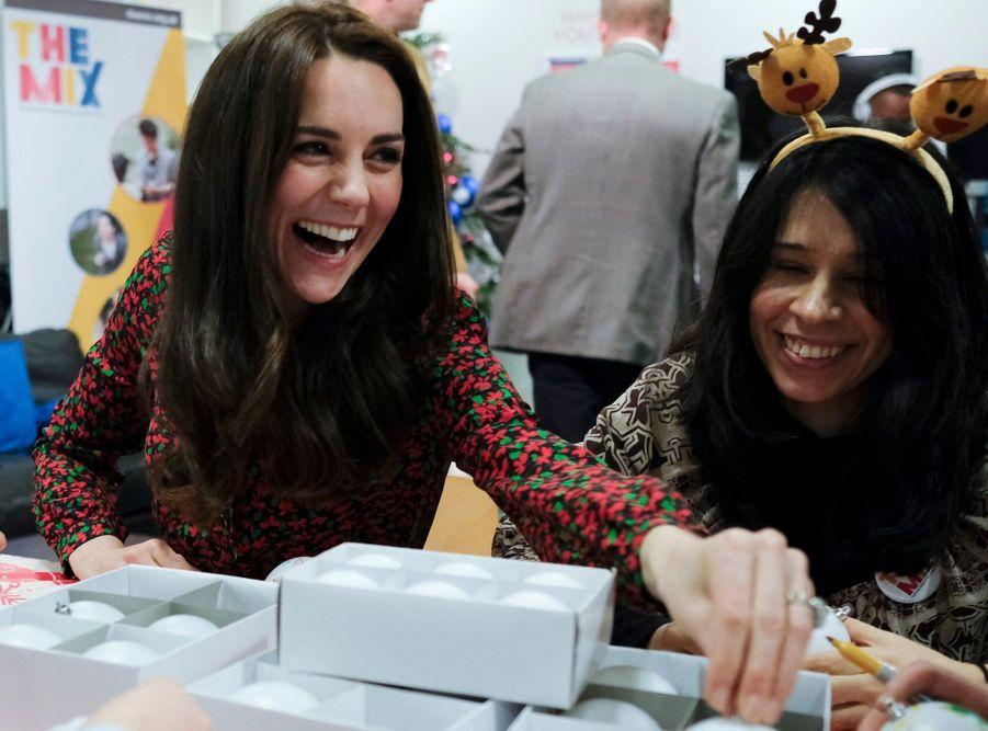 Kate, William Et Harry Fêtent Noël Avant L'heure 12