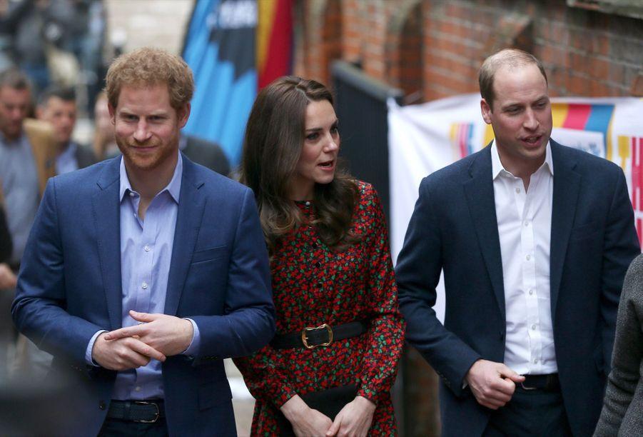 Kate, William Et Harry Fêtent Noël Avant L'heure 27
