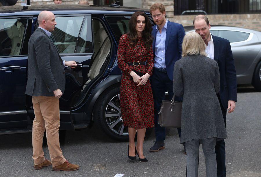 Kate, William Et Harry Fêtent Noël Avant L'heure 30