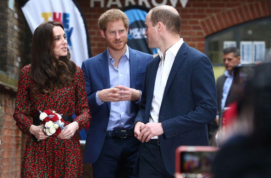Kate, William Et Harry Fêtent Noël Avant L'heure 31