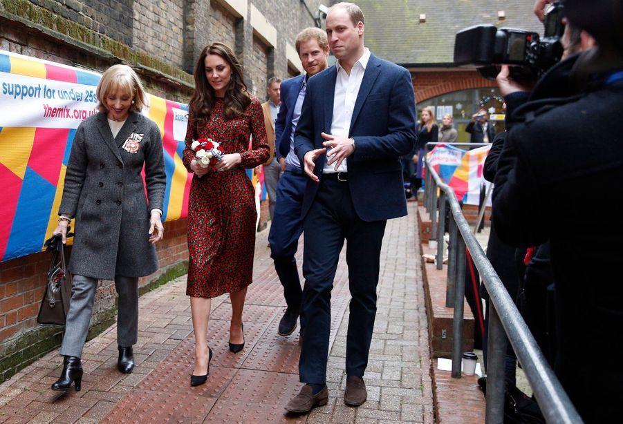 Kate, William Et Harry Fêtent Noël Avant L'heure 33
