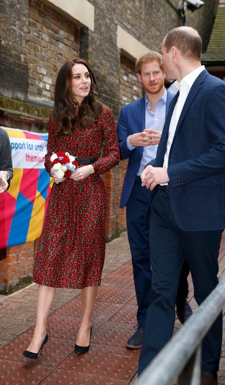 Kate, William Et Harry Fêtent Noël Avant L'heure 5