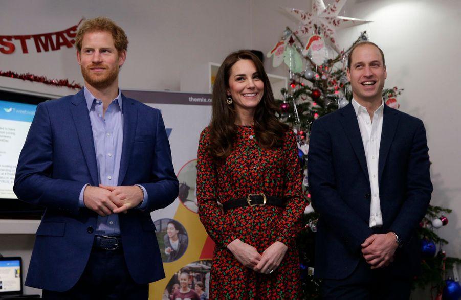 Kate, William Et Harry Fêtent Noël Avant L'heure 8