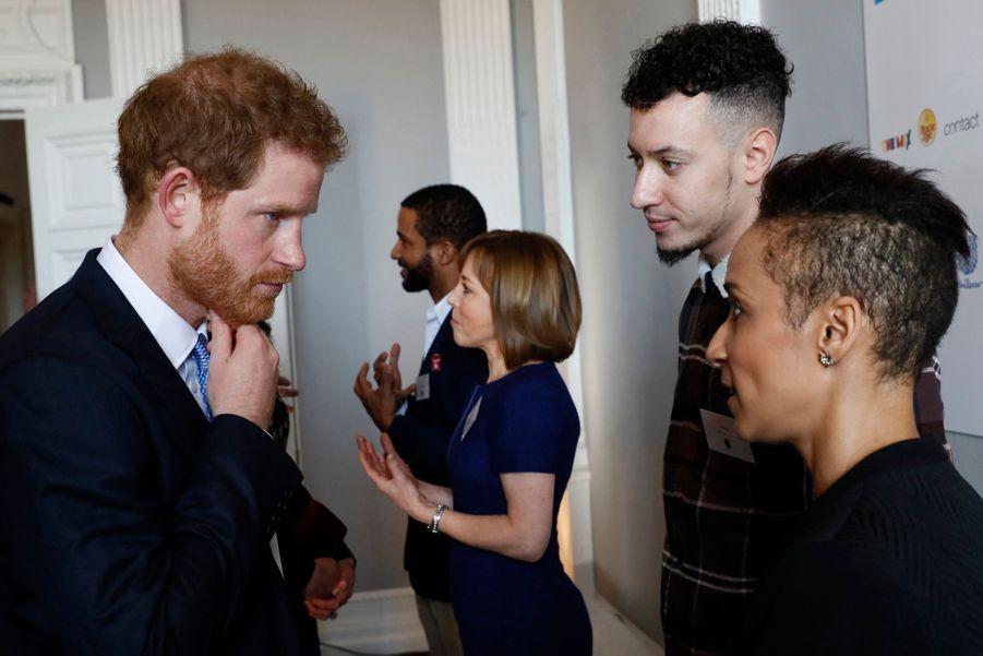 """Kate, William Et Harry Défendent """"Heads Together"""" En Vue Du Marathon De Londres 12"""