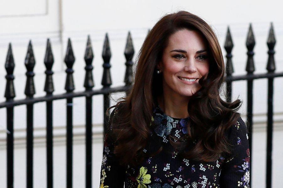 """Kate, William Et Harry Défendent """"Heads Together"""" En Vue Du Marathon De Londres 19"""