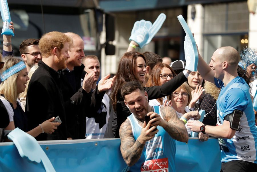 Kate Middleton, Les Princes William Et Harry Au Marathon De Londres, Dimanche 23 Avril 2017 28