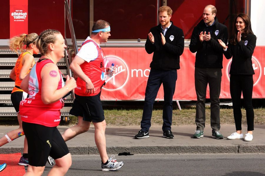 Kate Middleton, Les Princes William Et Harry Au Marathon De Londres, Dimanche 23 Avril 2017 9