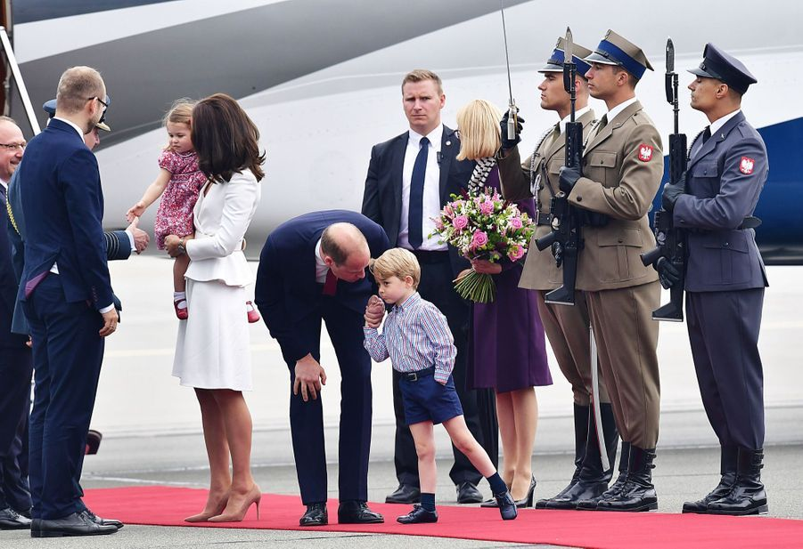 Kate, William, George Et Charlotte Sont En Pologne 11