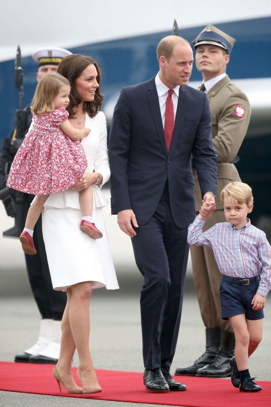 Kate, William, George Et Charlotte Sont En Pologne 14