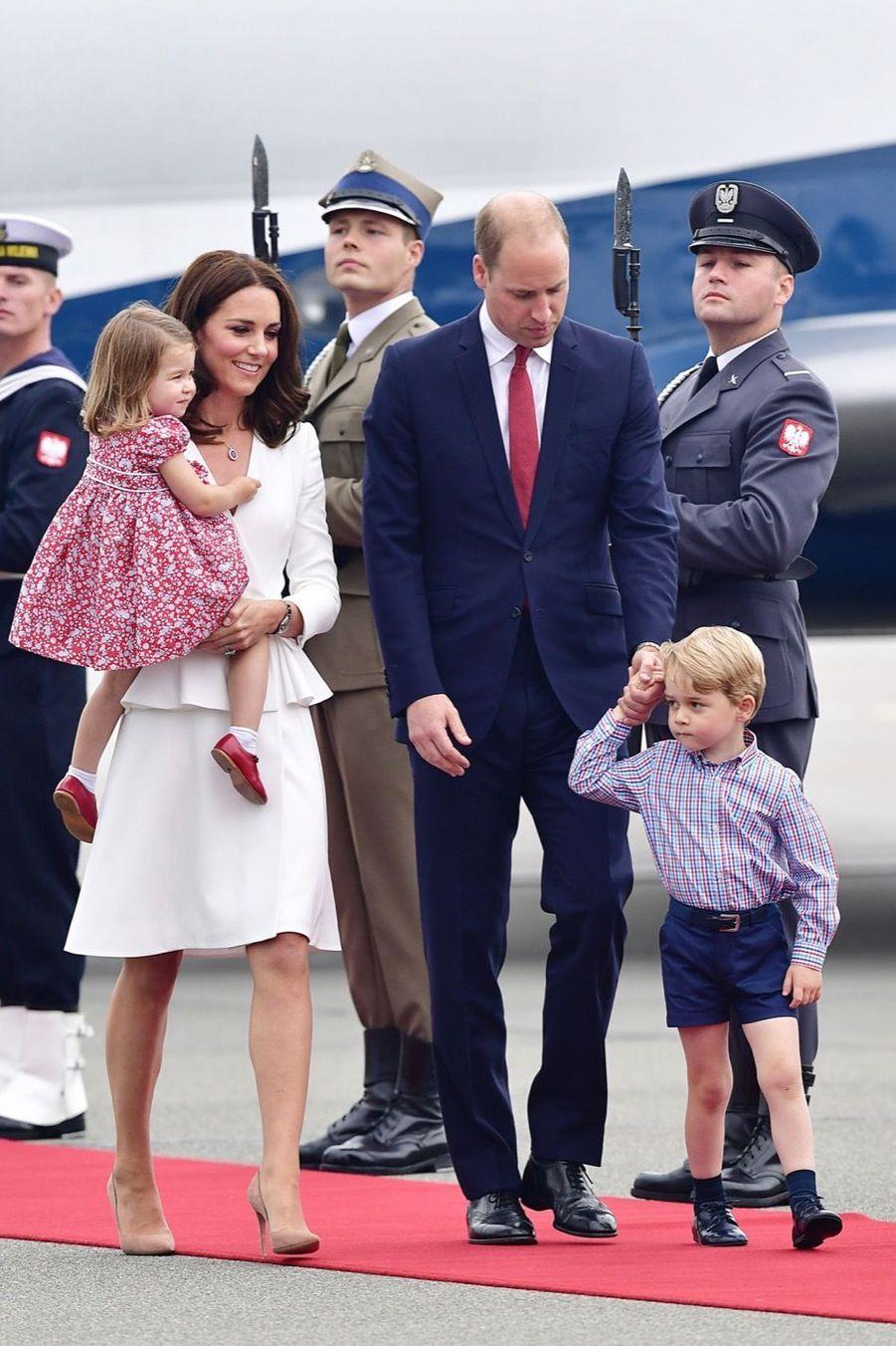 Kate, William, George Et Charlotte Sont En Pologne 5