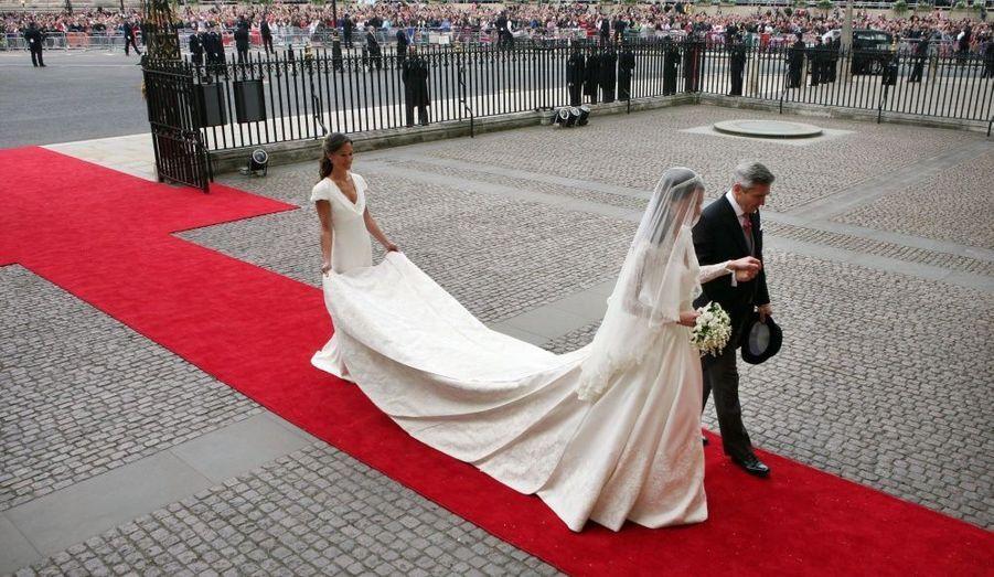 Et l'on découvre enfin la robe de Kate...