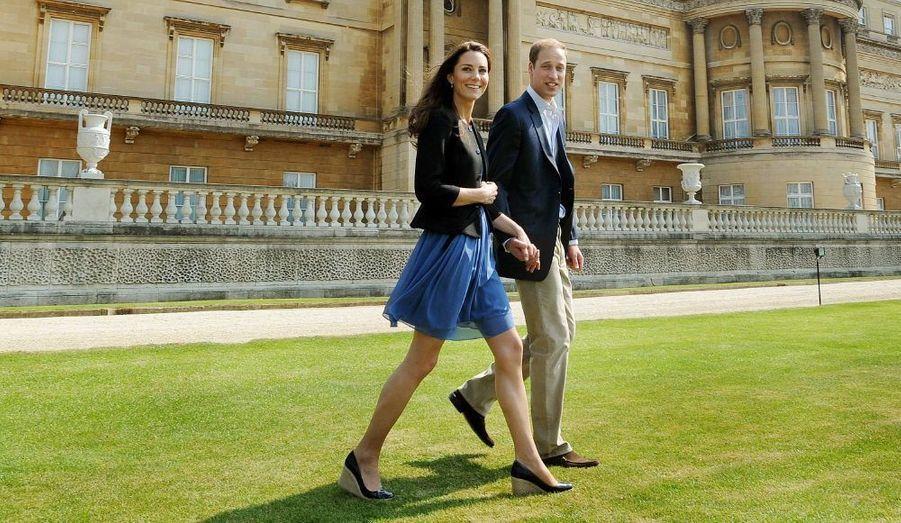 Le lendemain de leur mariage, dans le parc de Buckingham.