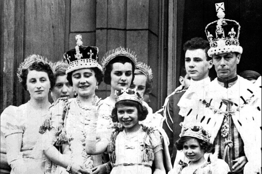 La princesse Elizabeth avec la famille royale, le 12 mai 1937, jour du couronnement de George VI