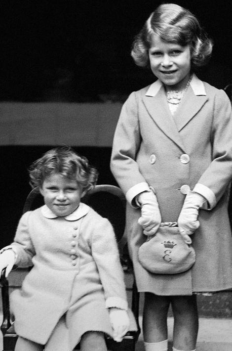 La princesse Elizabeth avec sa soeur la princesse Margaret, le 1er janvier 1933