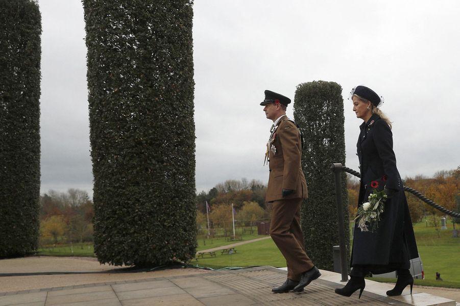 La comtesse Sophie de Wessex et le prince Edward au National Memorial Arboretum à Alrewas, le 11 novembre 2020