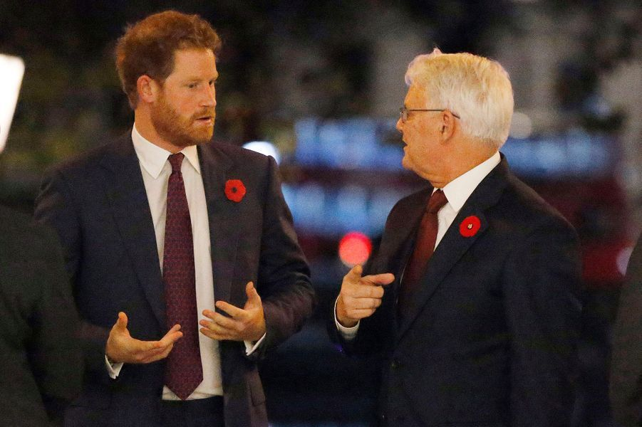 Le prince Harry à la Maison du Canada avec Gordon Campbell à Londres, le 11 novembre 2015