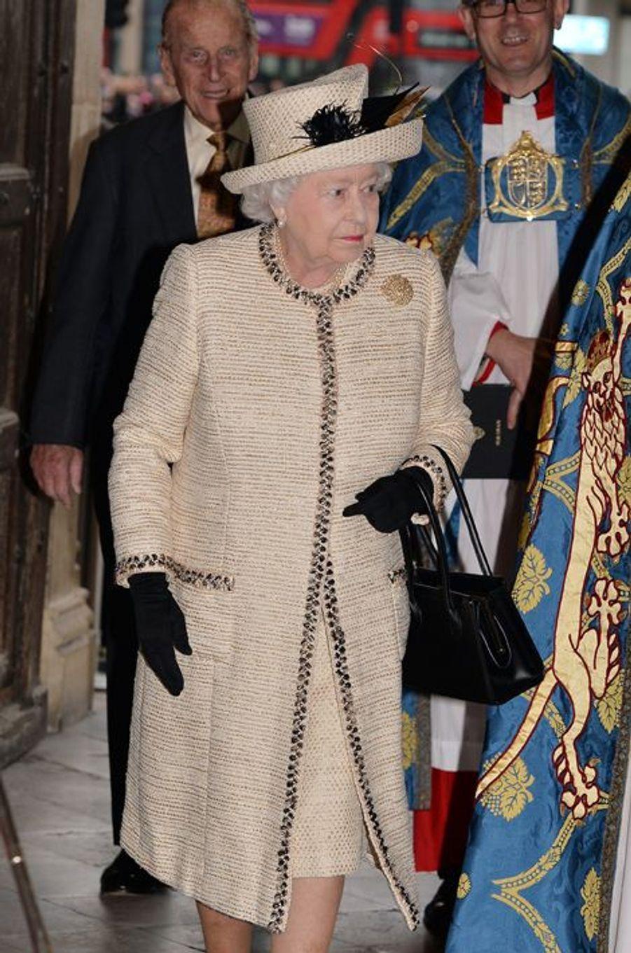La reine Elizabeth II et le duc d'Edimbourg arrivent à l'abbaye de Westminster à Londres, le 9 mars 2015