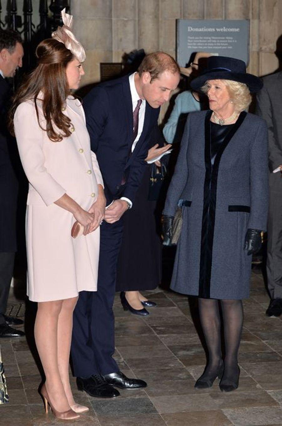 Le prince William, Kate et Camilla Parker-Bowles à l'abbaye de Westminster à Londres, le 9 mars 2015