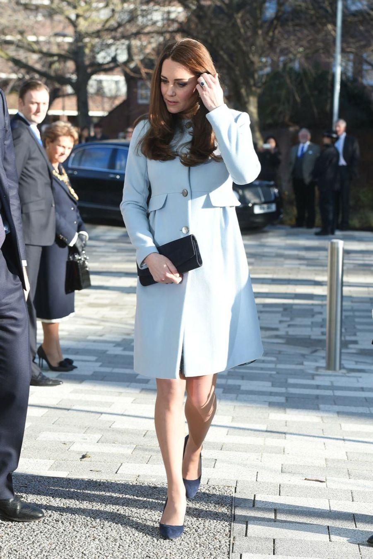 16 La Duchesse De Cambridge, Née Kate Middleton, En Visite À Kensington