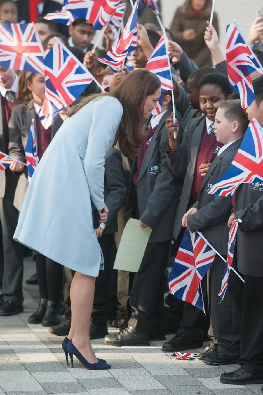 31 La Duchesse De Cambridge, Née Kate Middleton, En Visite À Kensington