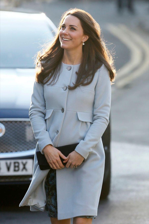 8 La Duchesse De Cambridge, Née Kate Middleton, En Visite À Kensington