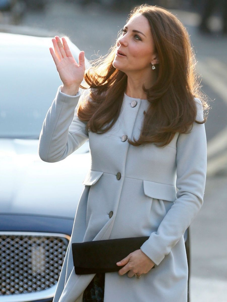 9 La Duchesse De Cambridge, Née Kate Middleton, En Visite À Kensington