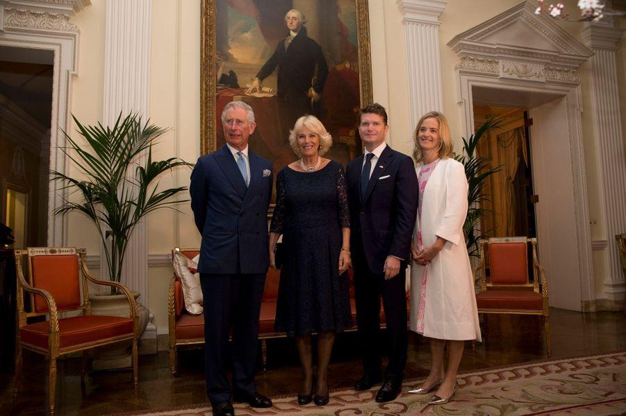 Camilla Parker-Bowles et le prince Charles avec l'ambassadeur des Etats-Unis à Londres et son épouse, le 9 mars 2015