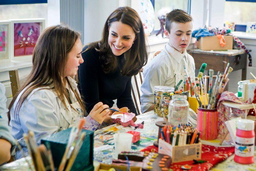 La duchesse Catherine de Cambrige au Wester Hailes Education Centre à Edimbourg, le 24 février 2016