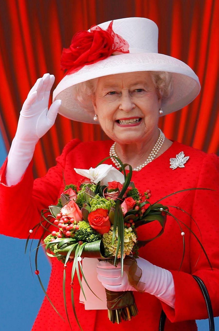 La reine Elizabeth II, le 1er juillet 2010