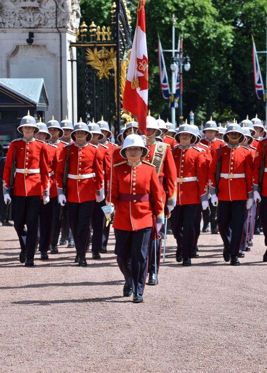 La Capitaine De La Garde De La Reine Elizabeth II, Megan Couto 10