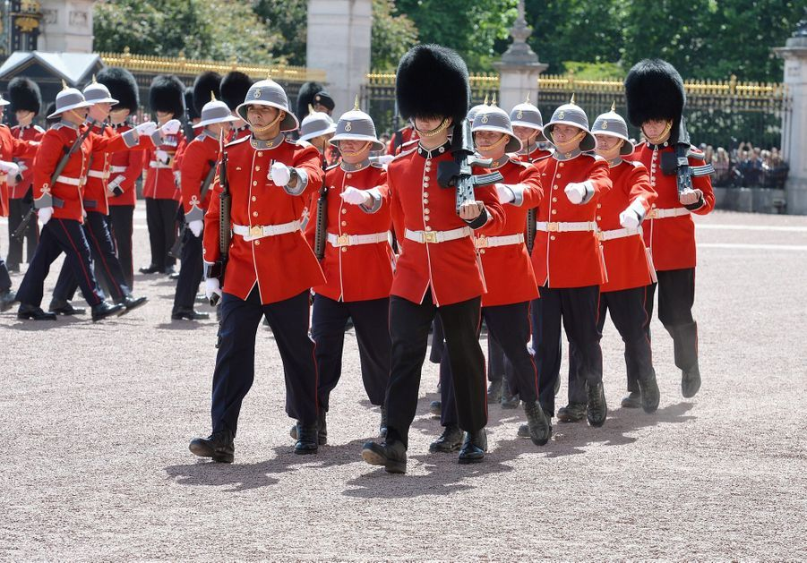 La Capitaine De La Garde De La Reine Elizabeth II, Megan Couto 11