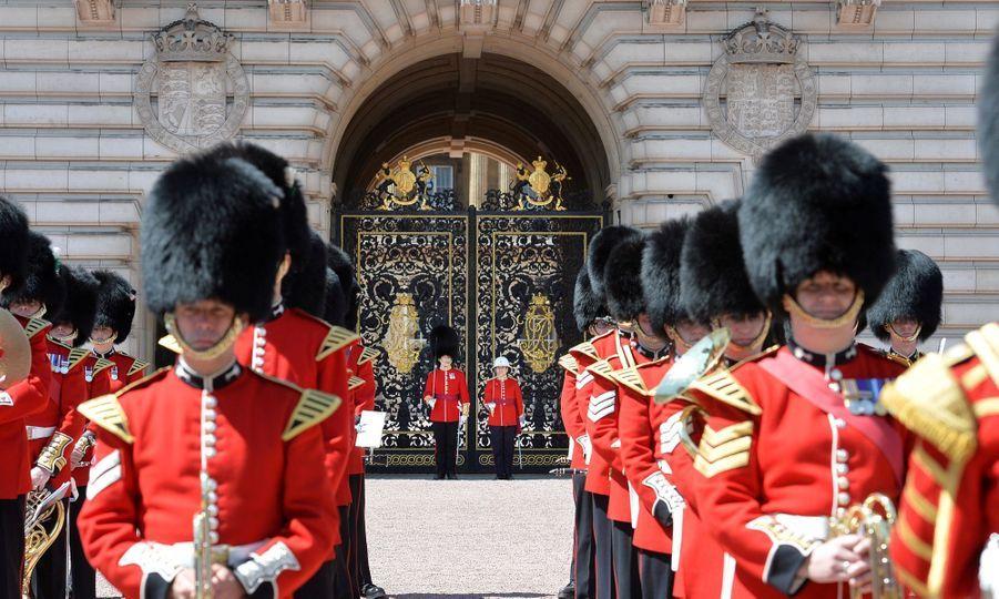 La Capitaine De La Garde De La Reine Elizabeth II, Megan Couto 14