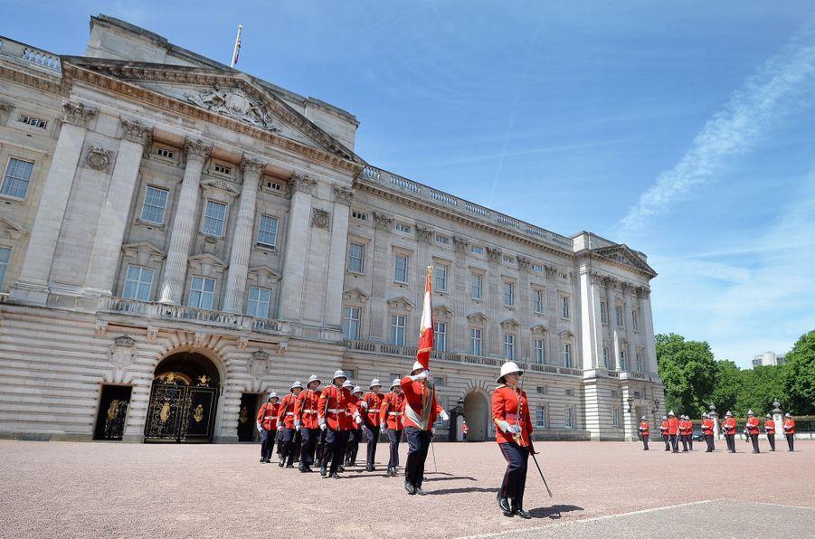 La Capitaine De La Garde De La Reine Elizabeth II, Megan Couto 18
